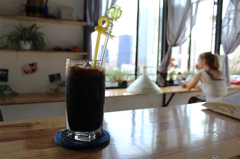 le café glacé noir cà phè đen đá