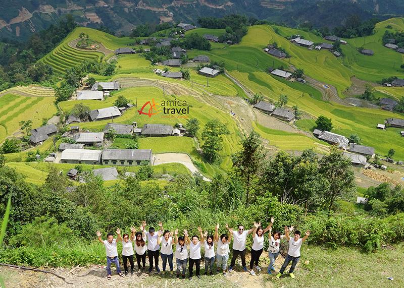 L'équipe de Amica Travel dans les terrasses en rizières du Nord-Vietnam