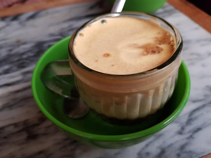 Café aux oeufs de Hanoï cà phê trứng